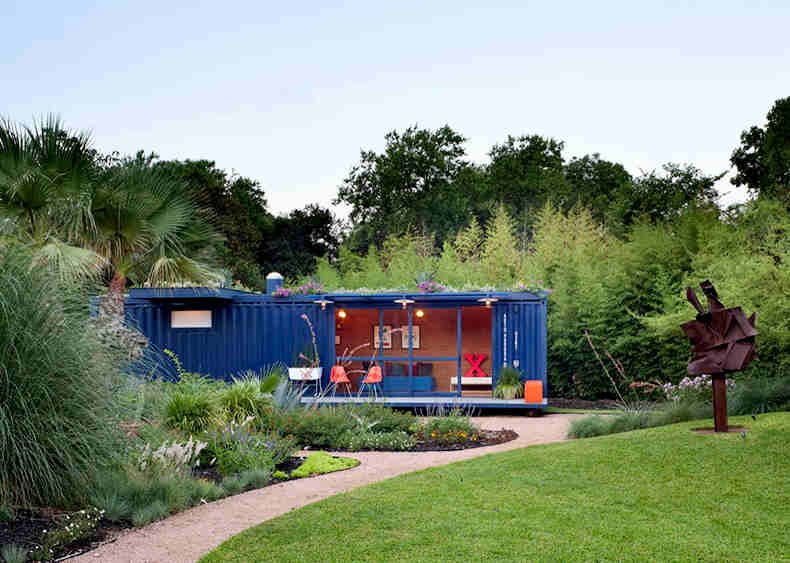 container-guest-house11